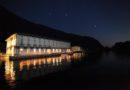 L' Hotel Araba Fenice si affaccia direttamente sul lago d'Iseo.