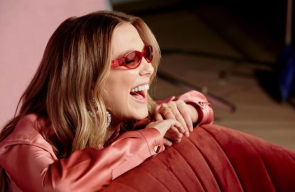 Capsule Collection Millie Bobby Brown per Vogue Eyewear.