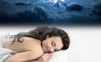 Melatonina e olii essenziali per un sonno ristoratore.