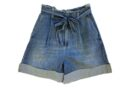 Pantaloncini col fiocco: il passe-partout estivo.